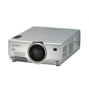 máy chiếu cũ PANASONIC PT-L735E