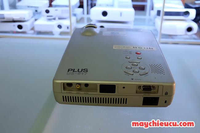 máy chiếu PLUS U2-817