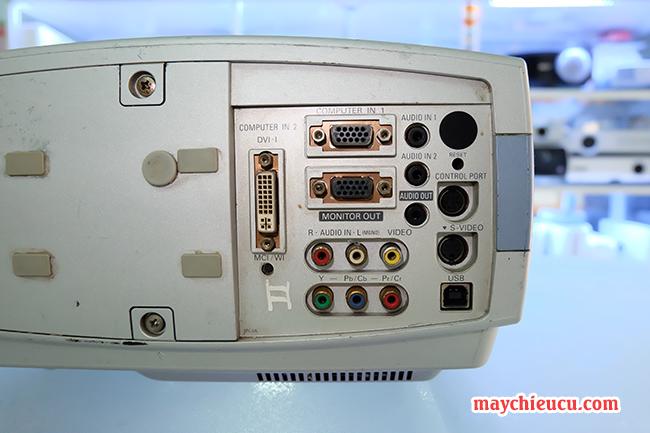 máy chiếu SANYO PLC-XT16