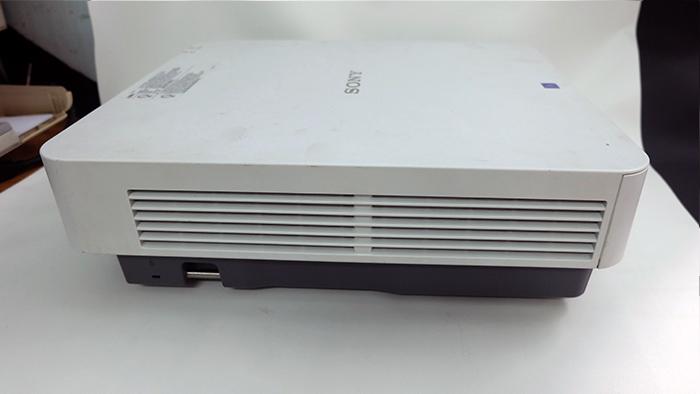 SonyVPL-FX30