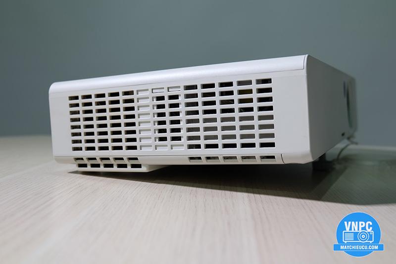 Panasonic PT-LB1