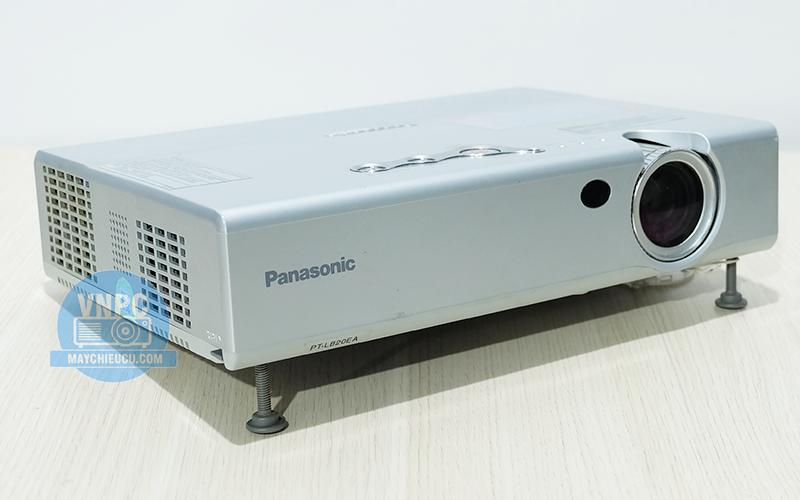 Panasonic PT-LB20