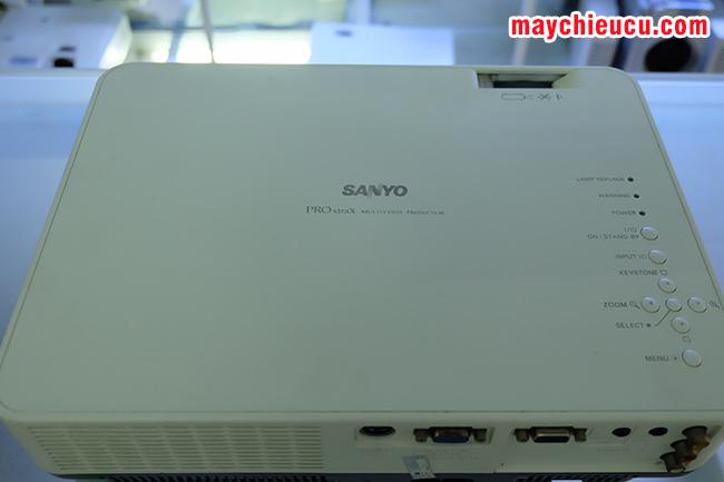 máy chiếu SANYO PLC-XW55