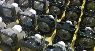 Bóng đèn máy chiếu cũ và thay bóng đèn máy chiếu TpHCM
