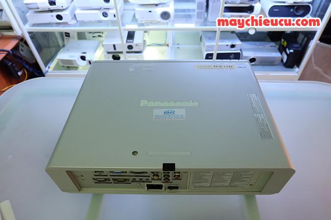 máy chiếu PANASOIC PT-F200 cũ
