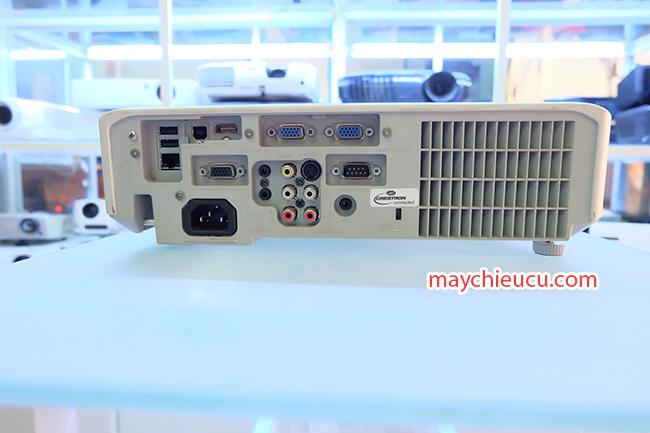 HITACHI CP-X3030WN projector