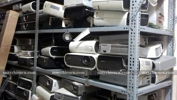 Bán xác máy chiếu cũ hư phục vụ nghiên cứu và học tập