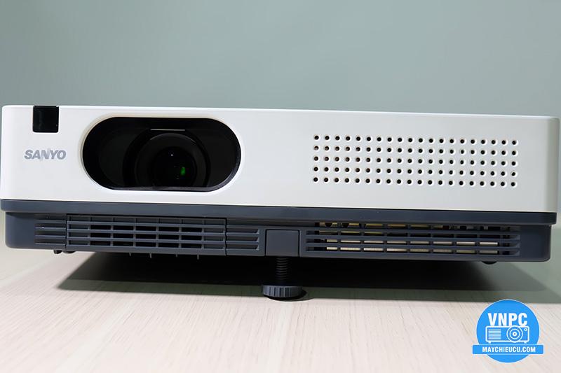 Sanyo PLC-XD2200
