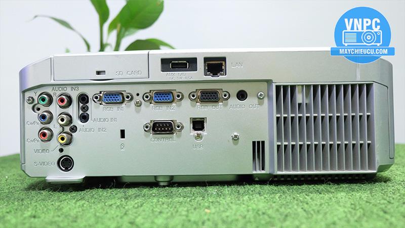 Hitachi CP-X268A