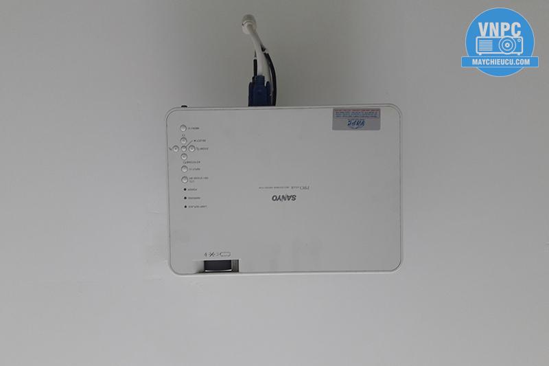 Lắp đặt máy chiếu Sanyo PLC-XW55