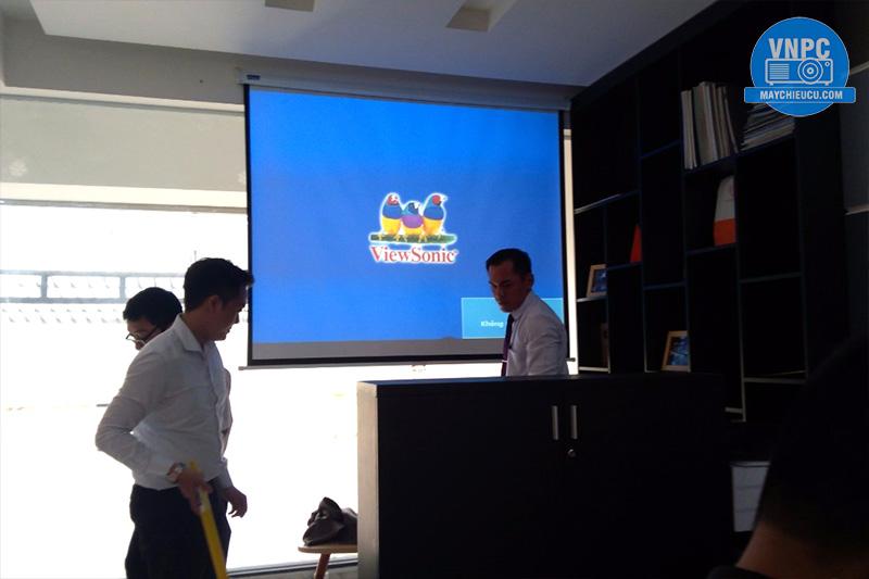 Lắp máy chiếu Viewsonic PJD515 cho Văn phòng bất động sản
