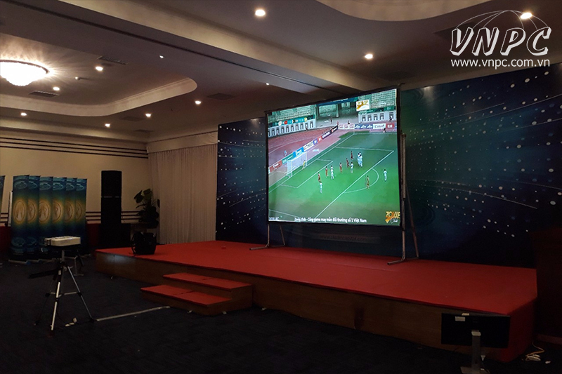 Cho thuê màn chiếu siêu lớn & màn chiếu khung xem bóng đá