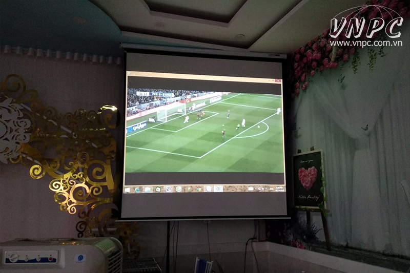 Lắp máy chiếu Optoma EX765W cho nhà hàng tại quận Tân Phú