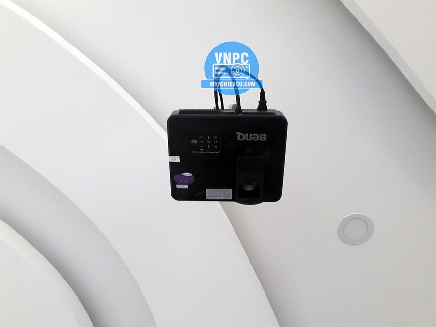 Lắp đặt máy chiếu BenQ MS517p cũ cho quán cafe Quận Gò Vấp