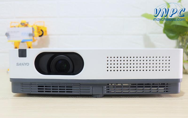 Sanyo PLC-XD2200 Máy chiếu cũ giá rẻ bền đẹp