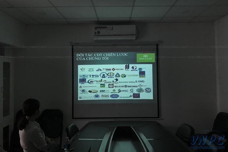 Lắp đặt Infocus IN112X cho văn phòng công ty