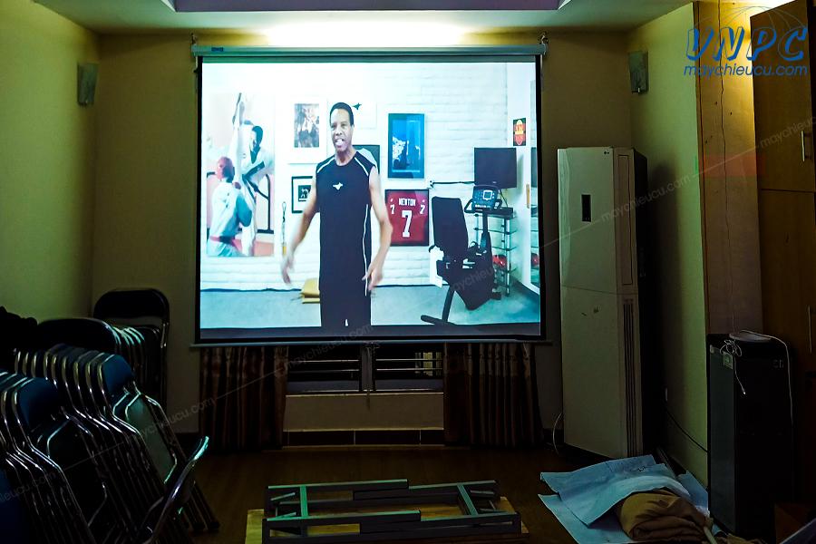 Lắp đặt máy chiếu Hitachi CP-EX303 tại Hà Đông