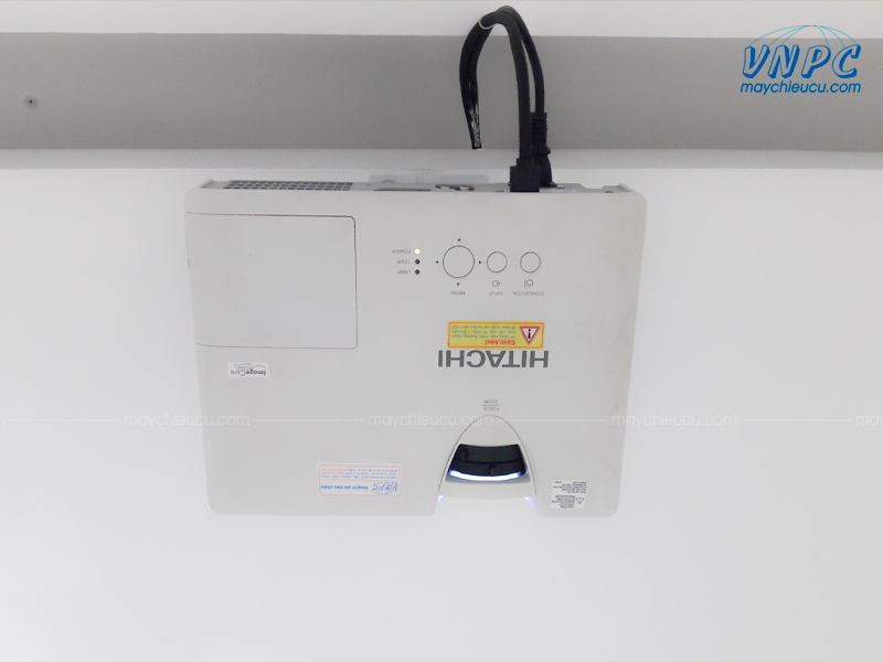 Lắp đặt Hitachi CP-EX300 cũ giá rẻ