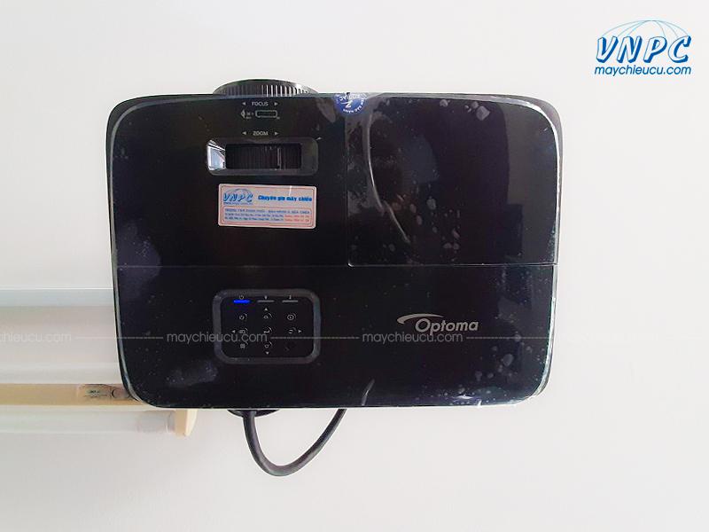 Lắp đặt Optoma PW450 và Màn chiếu điện 120 inch cho văn phòng