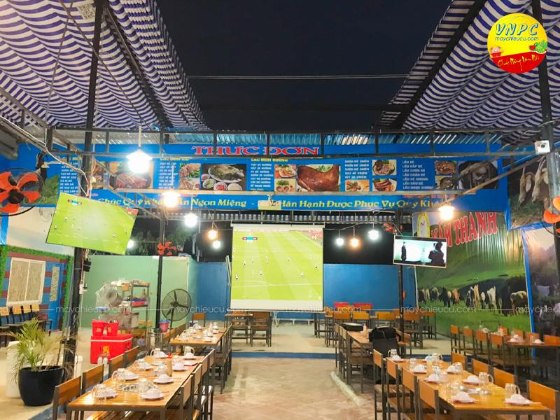 Lắp đặt Sony VPL-EX230 phục vụ chiếu bóng đá