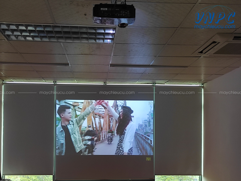 VNPC lắp đặt máy chiếu Optoma S2015
