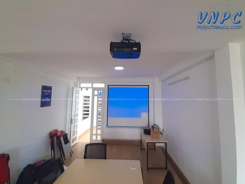 Lắp đặt máy chiếu Optoma PX390 cho văn phòng công ty tại TpHCM